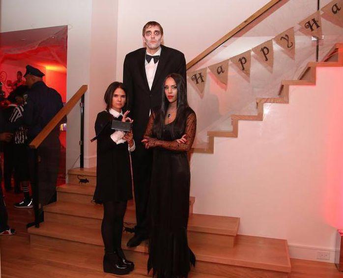Dirk Nowitzki Halloween Costume 2015 - Lurch Addams Family