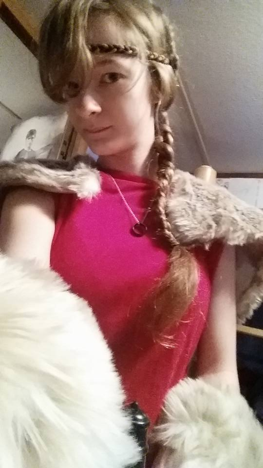 zumbawolf-astrid-HTTYD-cosplay